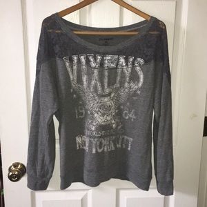 Super cute and comfy long sleeve tee